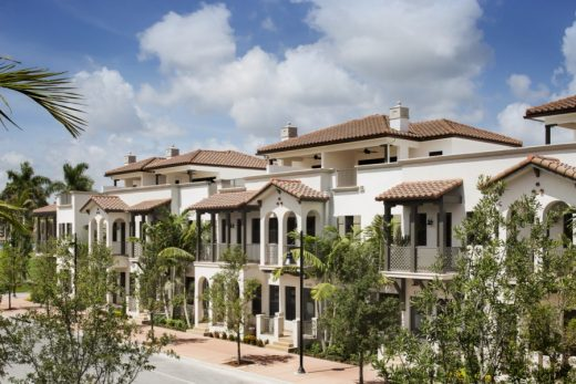 THE TOWNHOMES AT DOWNTOWN DORAL